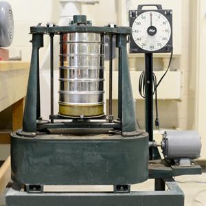 W.S. Tyler Industrial Group Ro-Tap Test Sieve Shaker